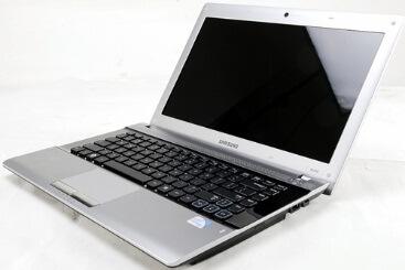 thay-man-hinh-laptop-samsung-rv409-khong-qua-kho-khan
